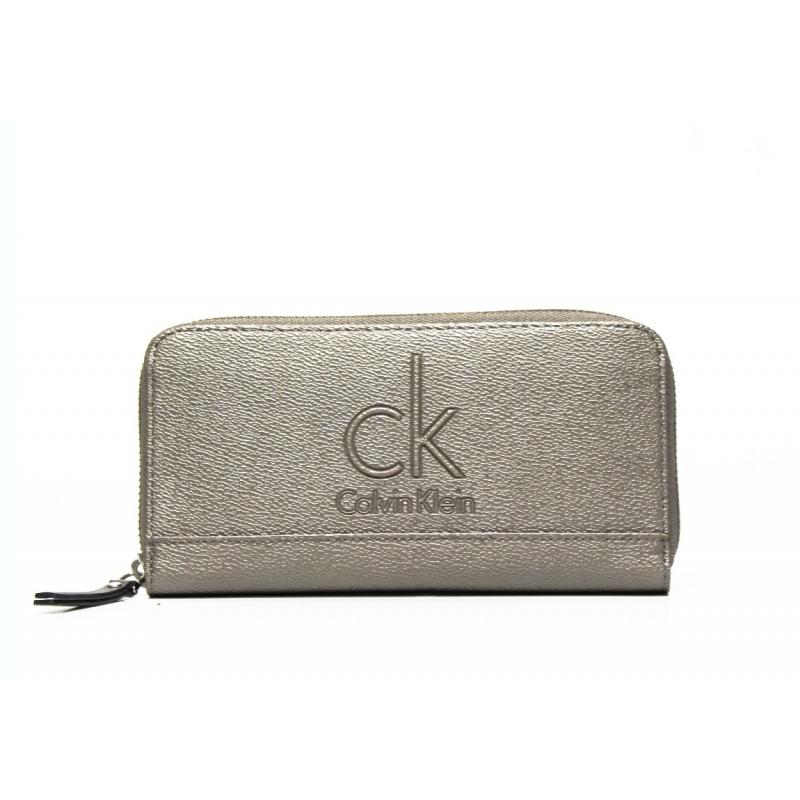 00a7d10bd5 Woman wallet Calvin Klein Jeans J6EJ600384 050