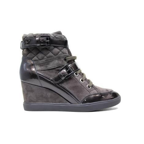 Geox sneaker in pelle e camoscio colore noce articolo D6467C 021HI C6004