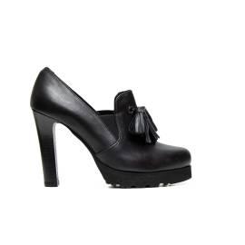 Bacta de Toi tronchetto 5558SC vitello pelle nero, decorato con cinghiette a ciuffi sul dorso piede