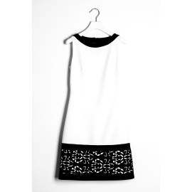 Sandro Ferrone abito donna C4 52038 PE17 bicolore bianco e nero, con pizzo