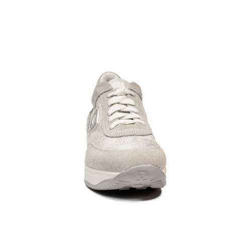 Agile by Rucoline sneaker stringata con zeppa color argento articolo 1304-83012  1304 A MICRO RIND 1ff9fc68756