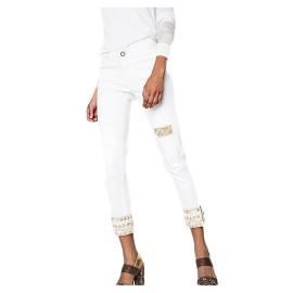 Desigual 72D2WC4 5178 jeans donna con toppe e ricami etnici, color bianco
