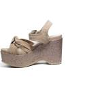 Francesco Milano sandalo in camoscio con zeppa glitterata colore Cipria articolo N10-23T