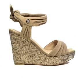 Guess sandalo con zeppa alta colore tortora articolo FLHAG2 SUE03