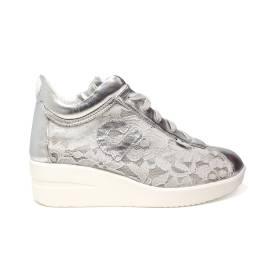 Agile by Rucoline sneaker donna con zeppa decorata con pizzo floreale color argento articolo 226 A PIZZO GELSO