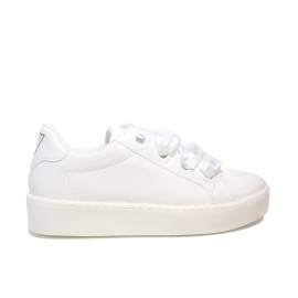 Guess sneaker low gloss model with laces in satin white color for women article FLURN1 ELE12 WHITE
