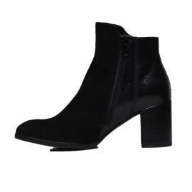 Nero Giardini A806330D 100 BLACK Woman Socket