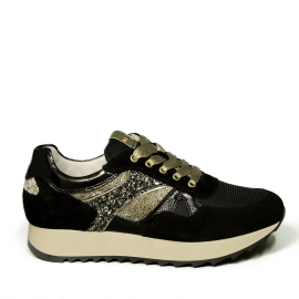 Nero Giardini sneaker donna di colore nero con inserti in oro laminato e glitterato articolo A9 08900 D 100