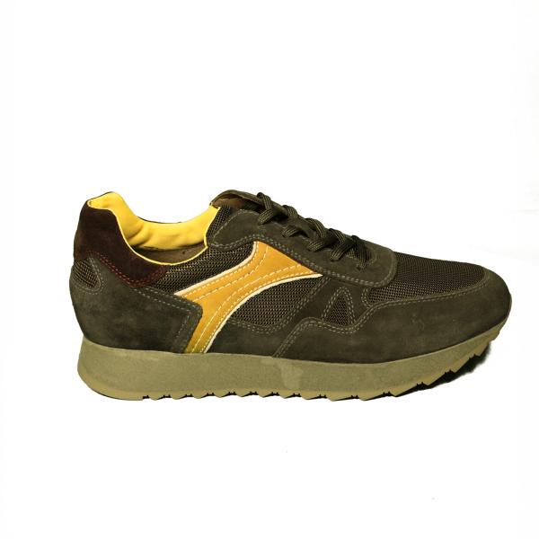 Nero Giardini sneaker uomo color oliva in camoscio articolo A9 01222 U 522