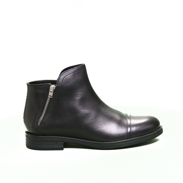 Geox tronchetto leather low heel black Article J8449C 00043 C9999