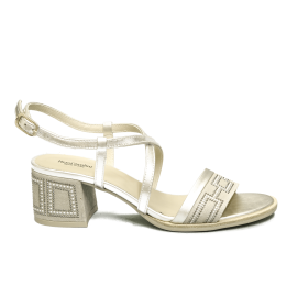 Nero Giardini women's sandal with medium heel color ivory article E012262D 702